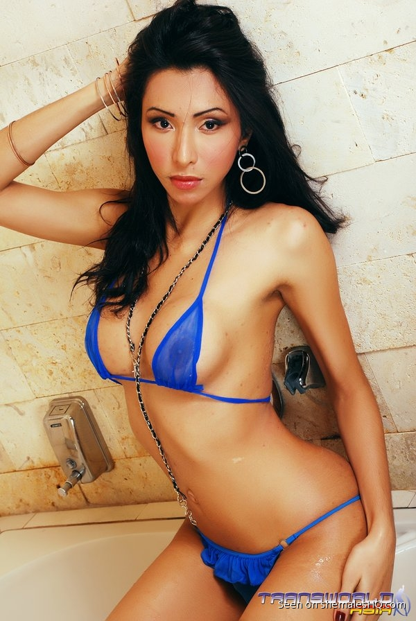 Shemale undressing bikini-6695