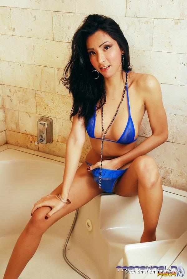Shemale undressing bikini-3157