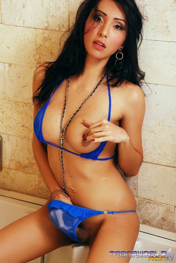 Shemale undressing bikini-1726