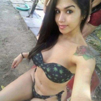 Natalia Queiroz insane shemale curves